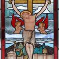 Jezus ukrzyżowany - witraż